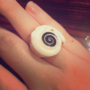 Jewelry - Shell Ring